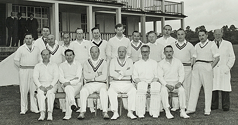 Team photo of Dowty cricket team | Gloucestershire Archives