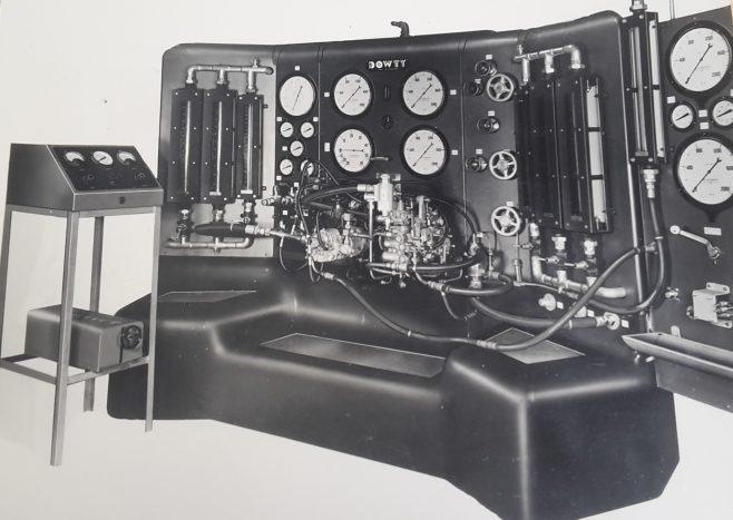 Test rig for fuel pumps