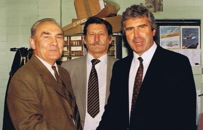 Robin Bamber, Gary Wakefield | Colin Manton