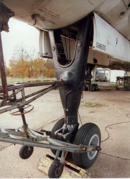 Avro Vulcan XH558 Front Landing Gear