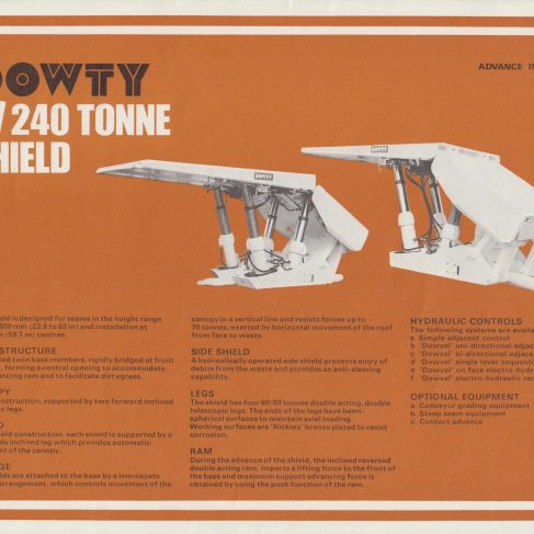 4-Leg 240 Tonne Shield | Original photo in the Dowty archive at the Gloucestershire Heritage Hub