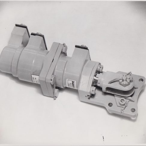 Hydraulic Aircraft Jack | Original photo in the Dowty archive at the Gloucestershire Heritage Hub