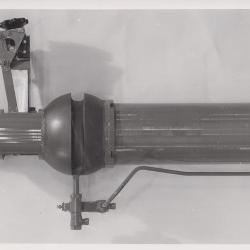 Shackleton Hydraulic Undercarriage Jack | Original photo in the Dowty archive at the Gloucestershire Heritage Hub