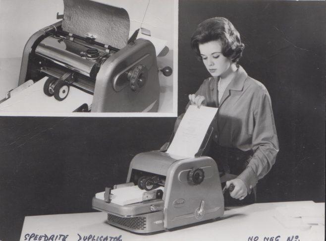Speedrite Duplicator fitted with Dowty Seals | Original photo in the Dowty archive at the Gloucestershire Heritage Hub