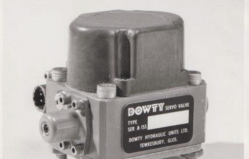 Dowty Servo & Moog Valves