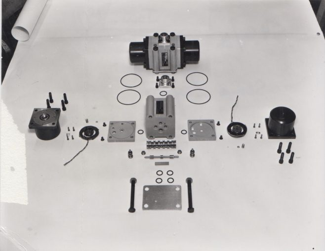 Dowty Servo Valve build layout | Original photo in the Dowty archive at the Gloucestershire Heritage Hub